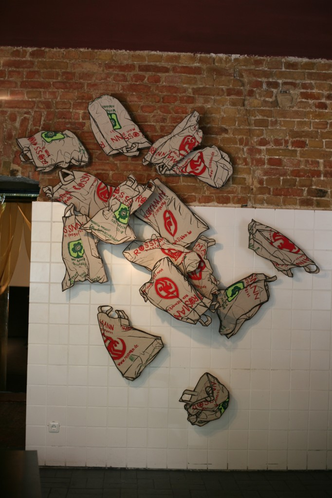 Rossman plastic bag drawings at La Ultima Cena.