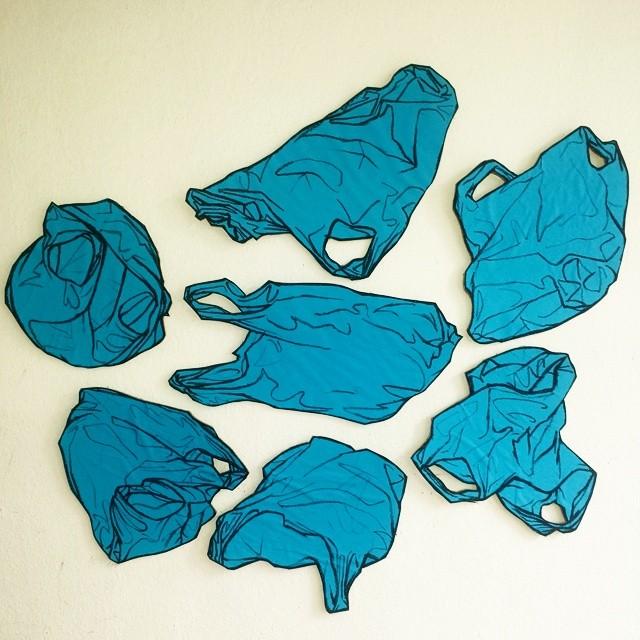 Blau plastiktute  Blue plastic bag  Oil pastel on paper